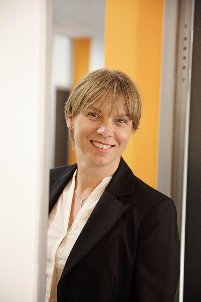 Claudia Roch, Personalleiterin